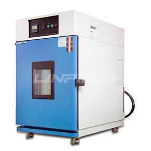 对台式恒温恒湿试验机进行操作应注意哪些问题